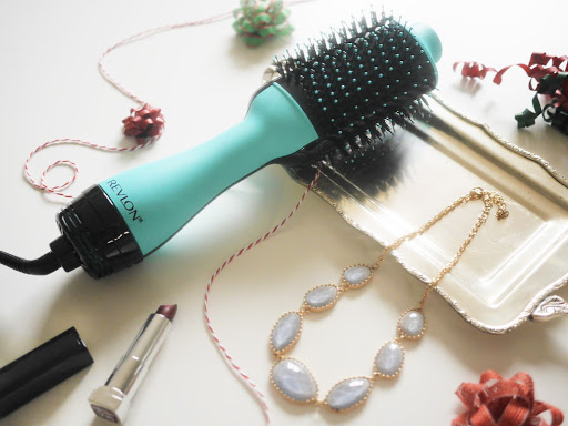 How To Blow Dry Your Hair – Add The Volume Minus The Frizz!